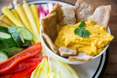 roasted veggie hummus w veggies closeup