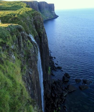 kilt-rock-waterfalls